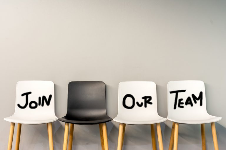 Finding the best recruitment strategy
